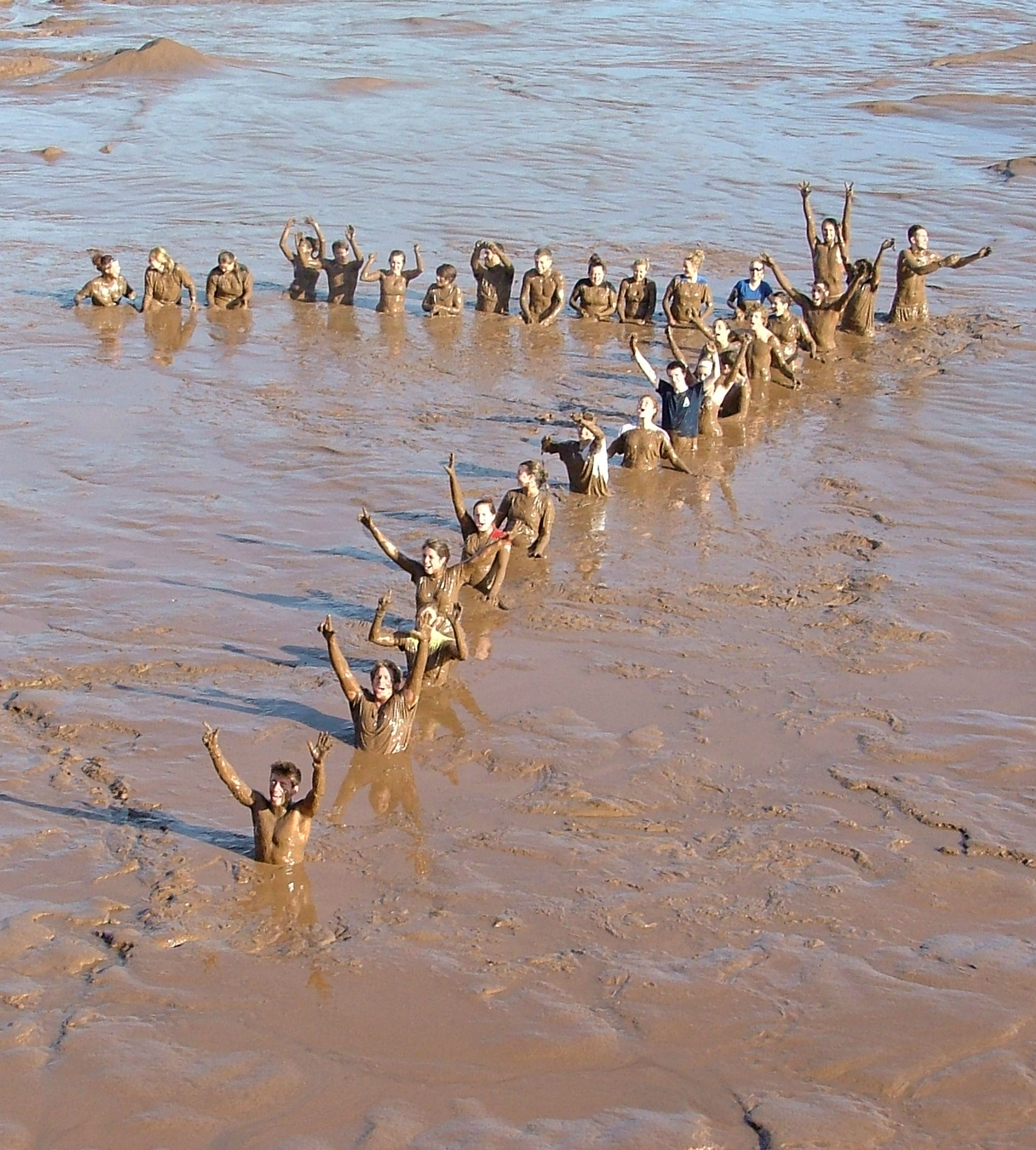 Acadiatv feature students make a muddy 7 for bay of fundy for Minimalist house bay of fundy